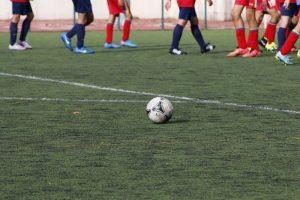 Zasady potwierdzania i uprawniania zawodników do gry w przypadku wycofania drużyny klubu z rozgrywek piłkarskich
